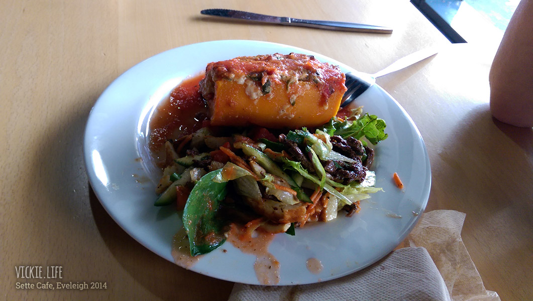 Sette Cafe: Roasted Pumpkin with Salad